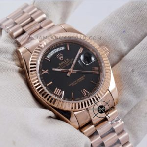 Rolex President Day-Date Everose Gold Black Dial Hands ON